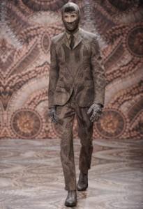 Alexander Mcqueen muestra sus disenos en la Semana de Milan3