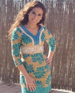 Indhira pone de moda los vestidos de Chatik & Kertan3