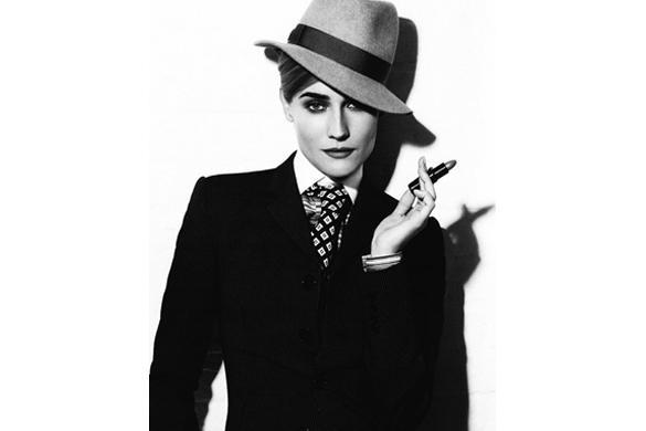 Karl Lagerfeld viste a Diane Kruger de hombre1