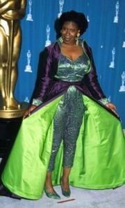 Las peor vestidas de los Oscar en toda la historia5