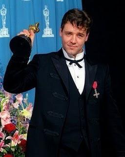 Los actores peor vestidos de los Oscar2