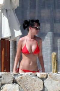 katy-perry-bikini-640x640x80