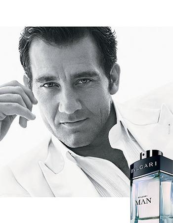 Clive Owen con perfume de Bulgari
