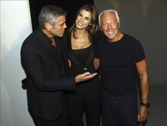 Armani triunfa en Milan con George Clooney de testigo1
