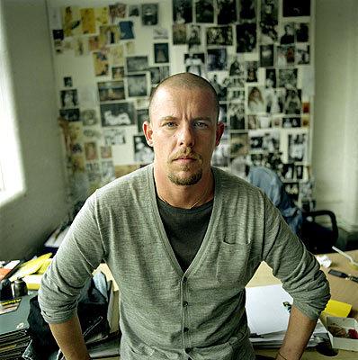 La moda homenajeo Alexander McQueen