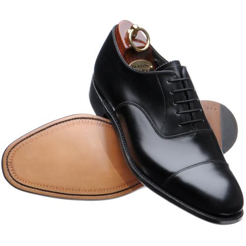 Zapatos masculinos y femeninos