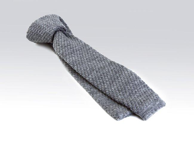 La corbata de punto definitivamente esta de moda1