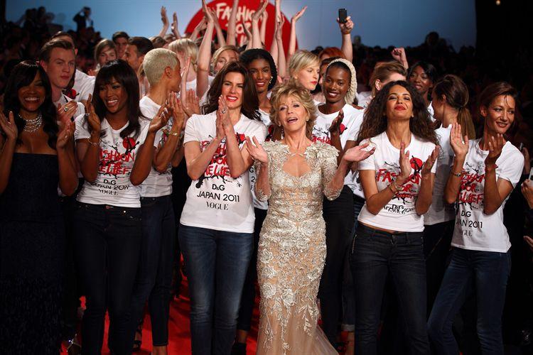 Jane Fonda, junto a las demás modelos