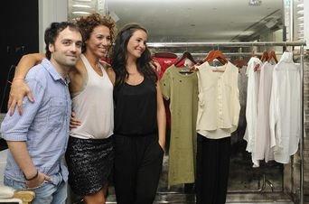 Melanie Olivares junto a Cristian Lay y Naomí García