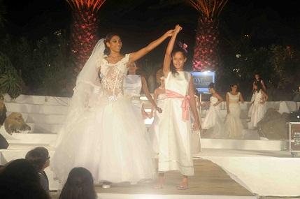 Una de las pasadas, en vestidos de novia