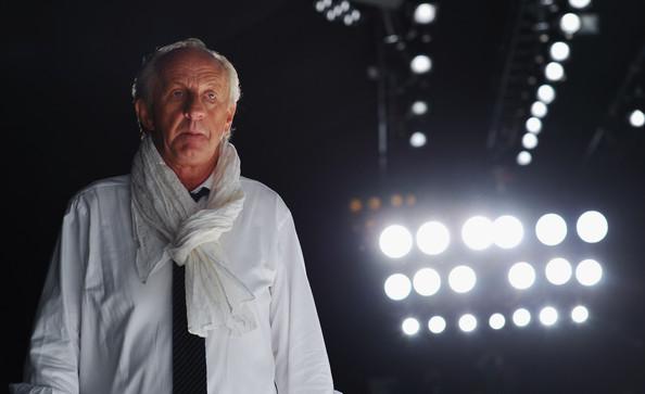 El diseñador, en el backstage de Londres