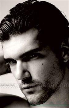 El bello modelo fue elegido como Mister España