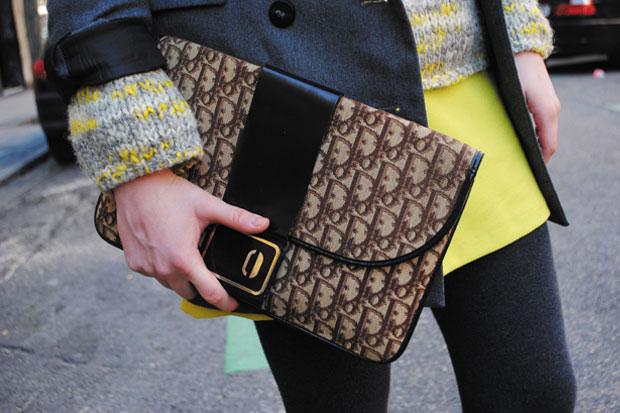 Amarillo y gris, una combinación perfecta.